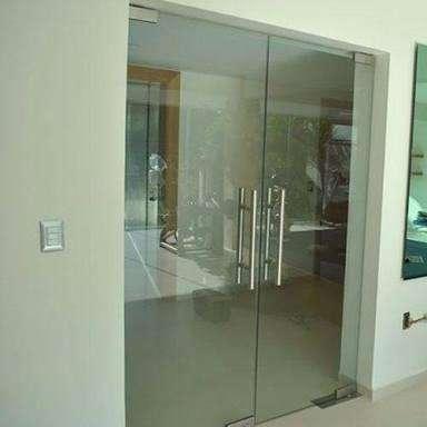 Maestro vidriero ofrece. Instalación y mantenimientos de puertas de mamparas 910537446 trabajamos también con DRYWALL