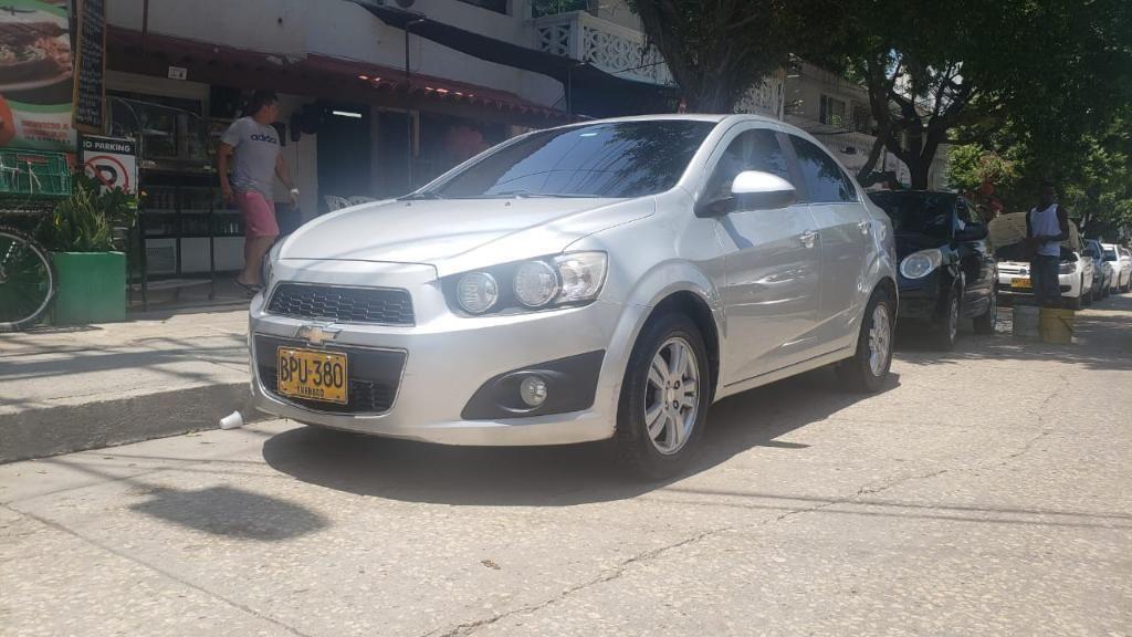 L.m Autos Vende Chevrolet Sonic Lt Mecan