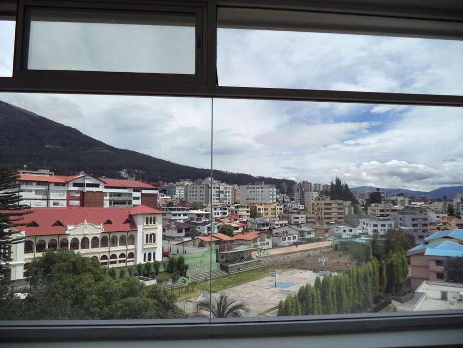Rento Sector Rumipamba, Oficina 244m2, 5 parqueaderos, Centro Norte