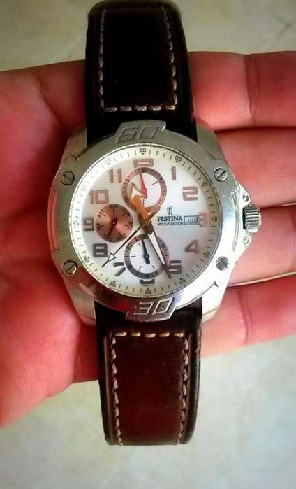 Precioso Reloj Festina, Original, Usado en Buen Estado 9 de 10, Multifuncional, Cristal Mineral, Mov. de Cuarzo