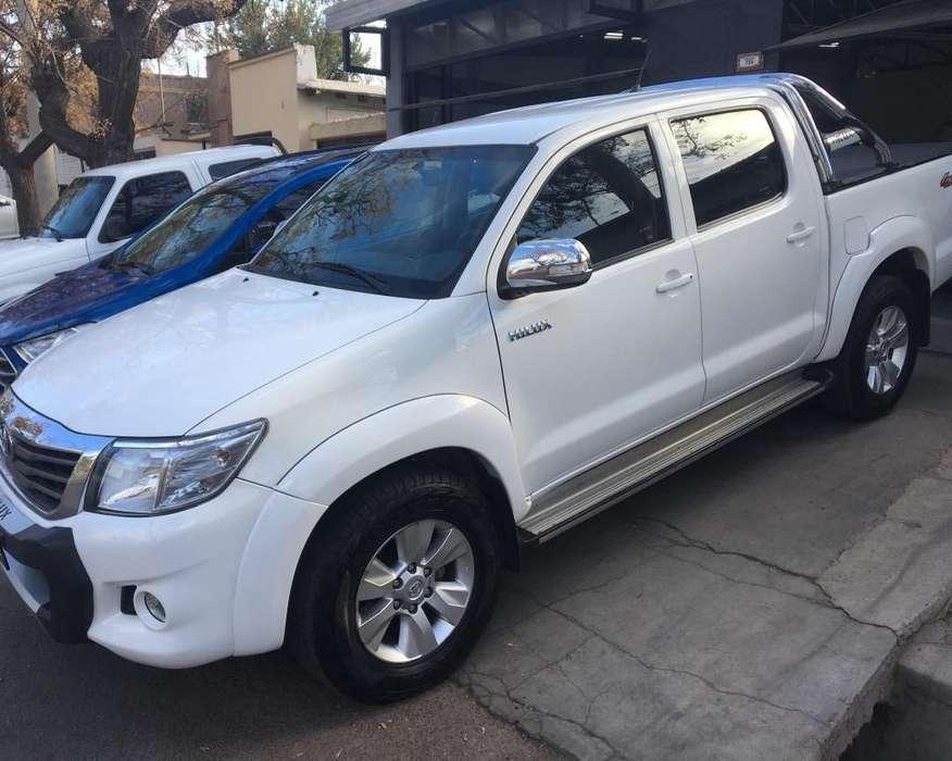 Toyota Hilux 2013 - 108 km