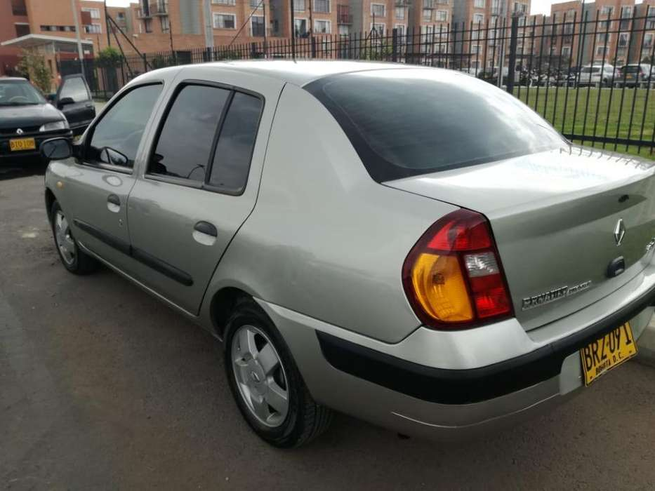 Renault Symbol 2005 - 132903 km