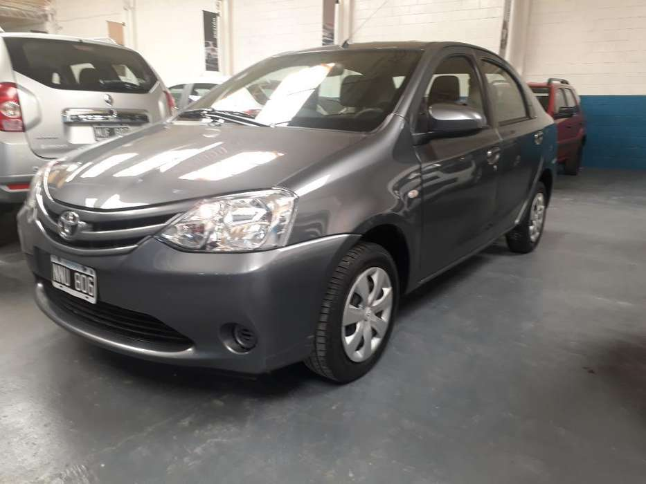 Toyota Etios 2014 - 75000 km