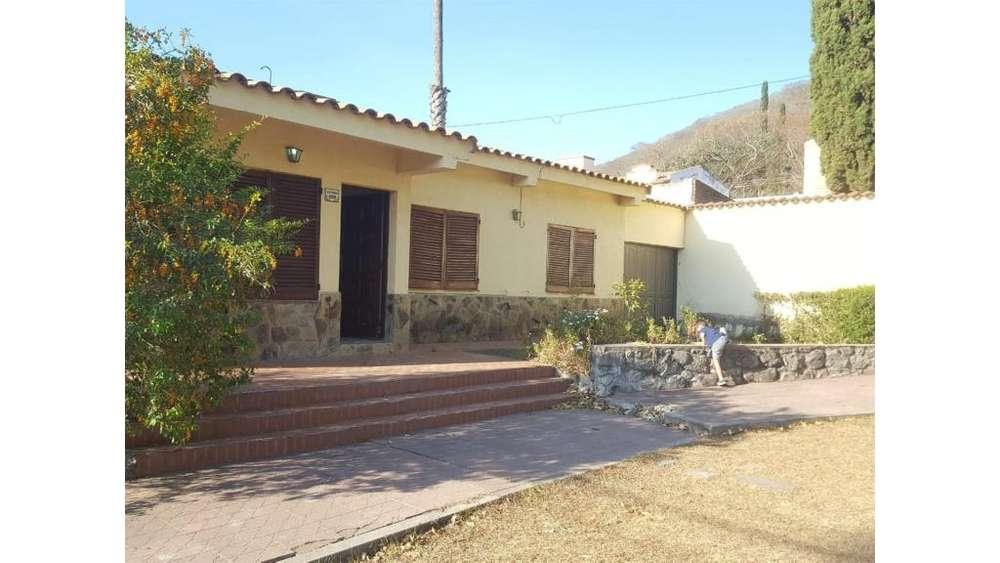 Las Rosas Y Los Pomelos 100 - 20.000 - Casa Alquiler