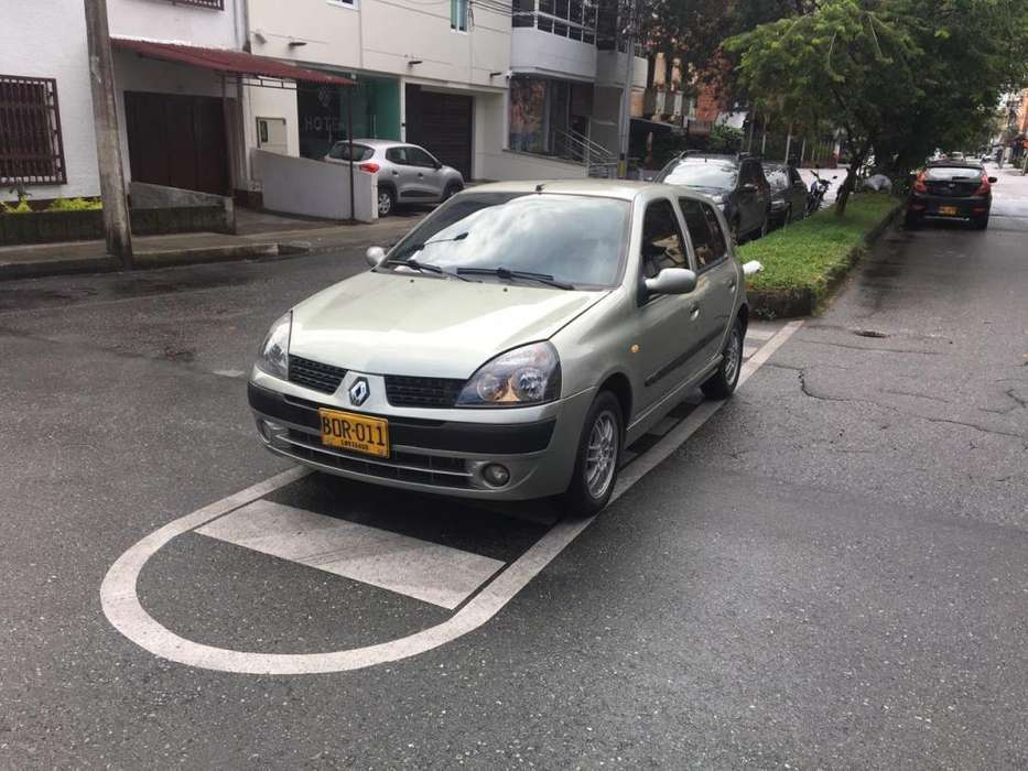 <strong>renault</strong> Clio  2003 - 130000 km