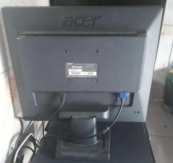 Se vende computador ACER