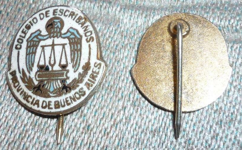 Antiguo Pin Colegio De Escribanos Provincia De Buenos Airtes