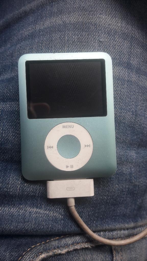 Vendo iPod Nano 8g Azul Agua Marina