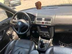 vendo Volkswagen Jetta 2011 en condiciones de nuevo.