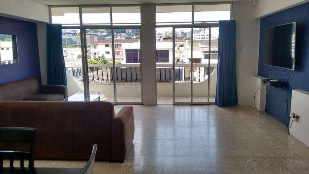 Departamento en Venta en Urdesa Central en Victor Emilio Estrada