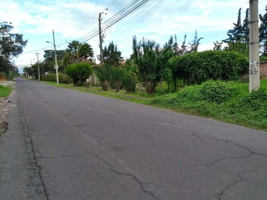 Venta de Terreno en Puembo/ cerca del Aeropuerto Internacional Mariscal Sucre/ Camino a los Arrayanes