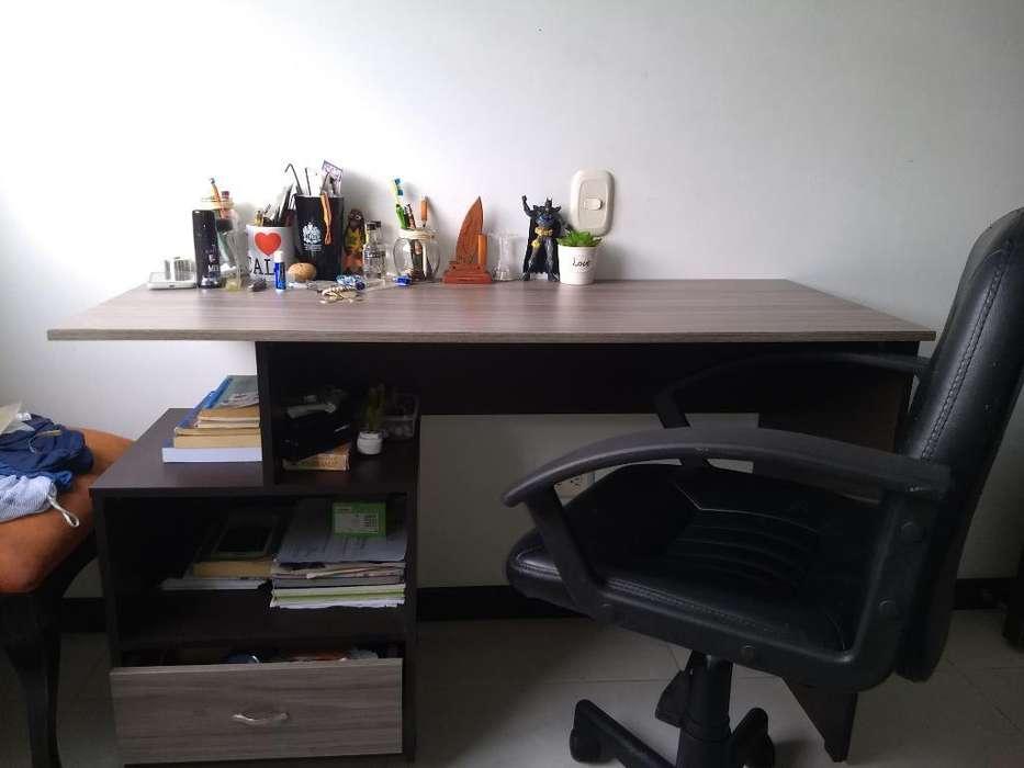 <strong>escritorio</strong> con Silla Flexible