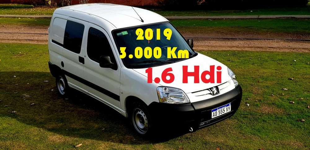 Peugeot Partner 2019 - 3000 km
