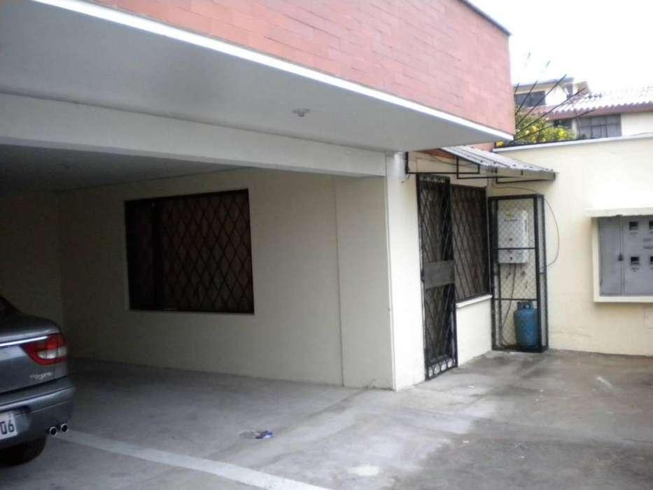 Casa Rentera en Venta, Norte de Quito, Jose Figueroa