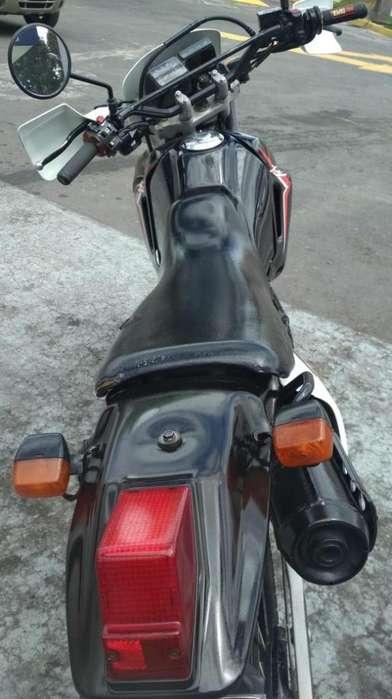 FLAMANTES <strong>honda</strong> XL 200