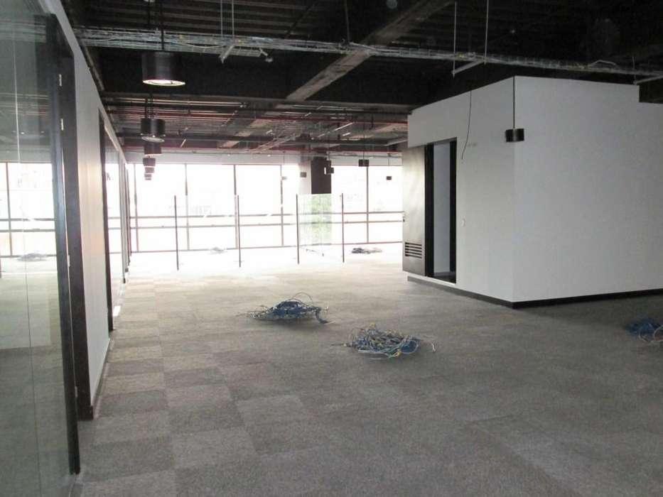 <strong>oficina</strong> para Arriendo en Chico Norte II 69-00057