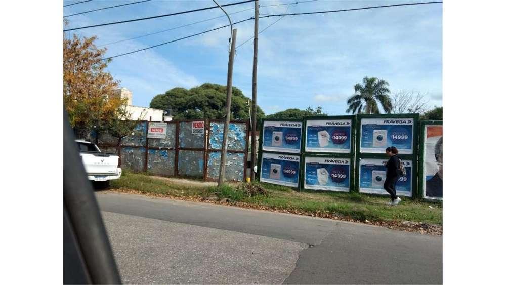 Bv. Los Granaderos 2800 - UD 1.500.000 - Galpón en Venta