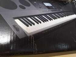 CASIO: TECLADO ALTA GMA WK 6600, 76 TECLAS. solo usado 2 veces. completo en su caja