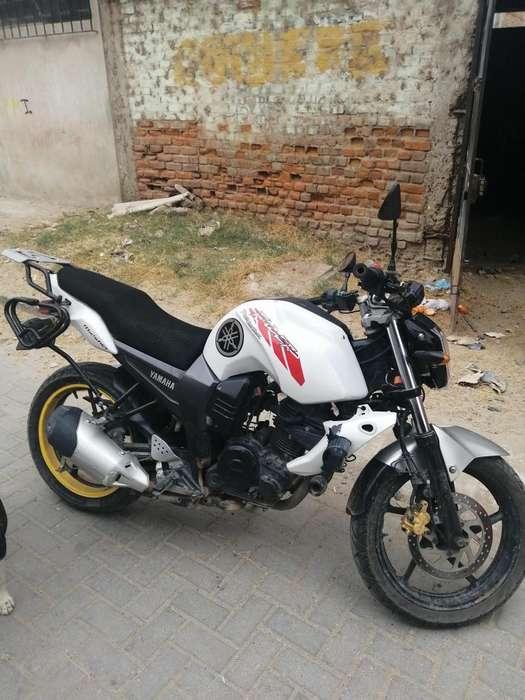Se Vende Moto <strong>yamaha</strong> Fz Fazer