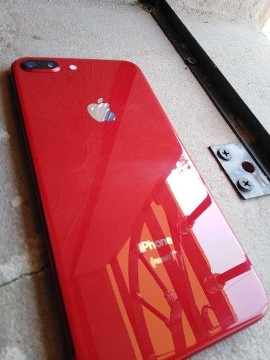 iPhone 8 Plus de 64Gb (Detalle)