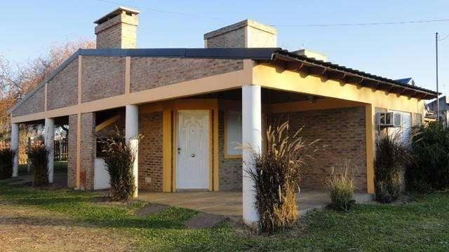 za46 - Bungalow para 2 a 5 personas con cochera en San José