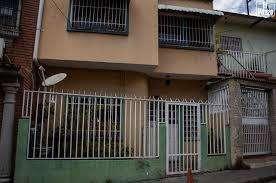 Casa de 2 pisos en las Gaviotas!!! Remate con precio de Locura!!!!