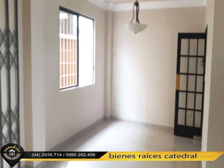 Casa de venta en Urb. San Felipe – código:15857