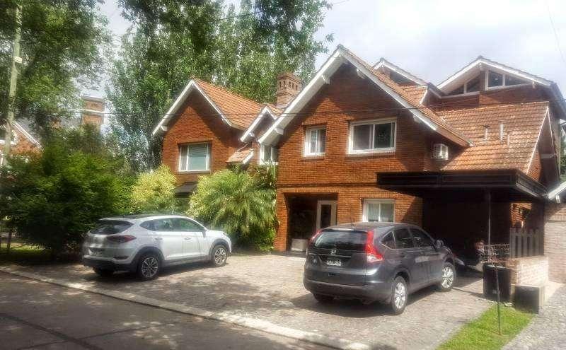Excelente casa en muy buen estado sobre lote interno en Camino Real