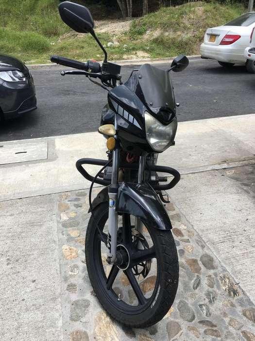Vendo moto AKT EVO 125 / modelo 2011 / 52.000 km / único dueño 1.500.000 NEGOCIABLE!!