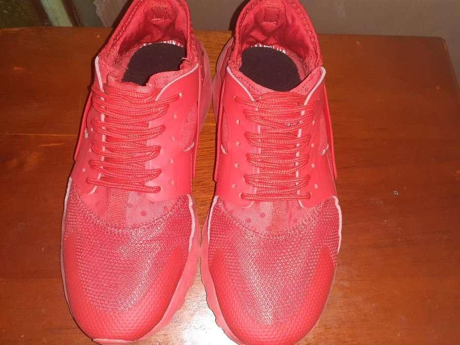Vendo Zapatilla Nike Huarache 9 de 10