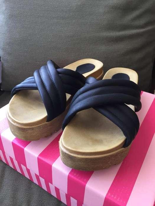Sandalias de mujer color negras numero 40