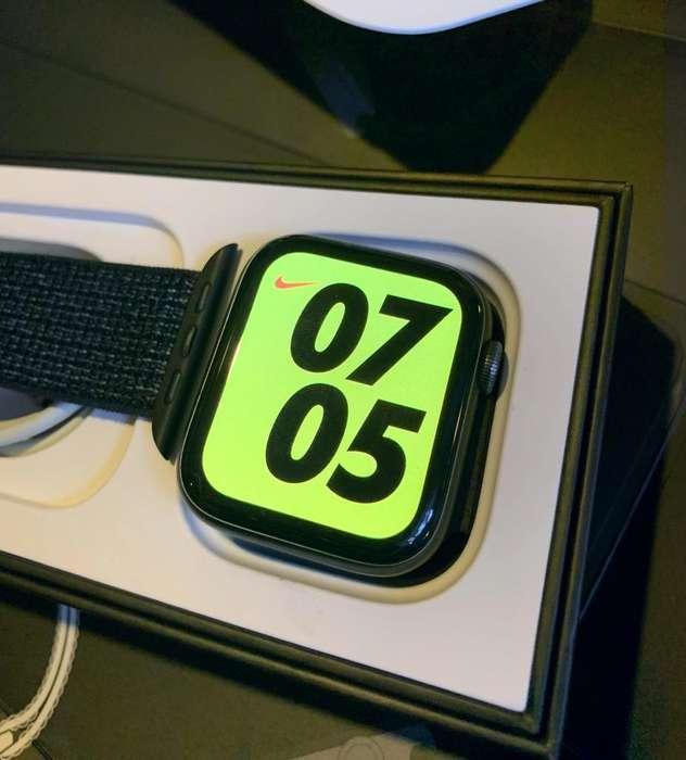 Apple Watch Serie 4 Nike 44Mm
