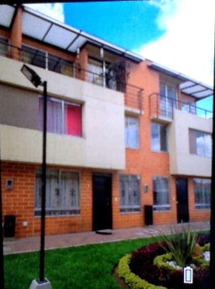 Casa Mosquera cerca al Parque central. GANGA