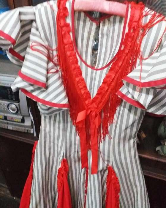 Alquilo <strong>traje</strong>s de Flamenco