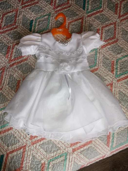 Vendo vestido de bautizo solo un uso trae balaca nueva3124057591