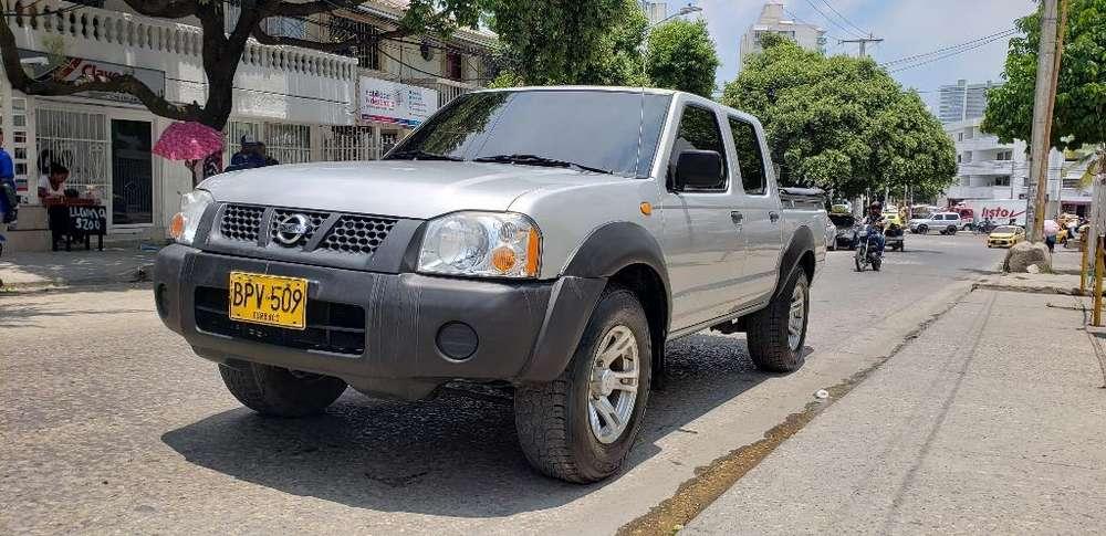 Nissan D-22 2014 - 63000 km