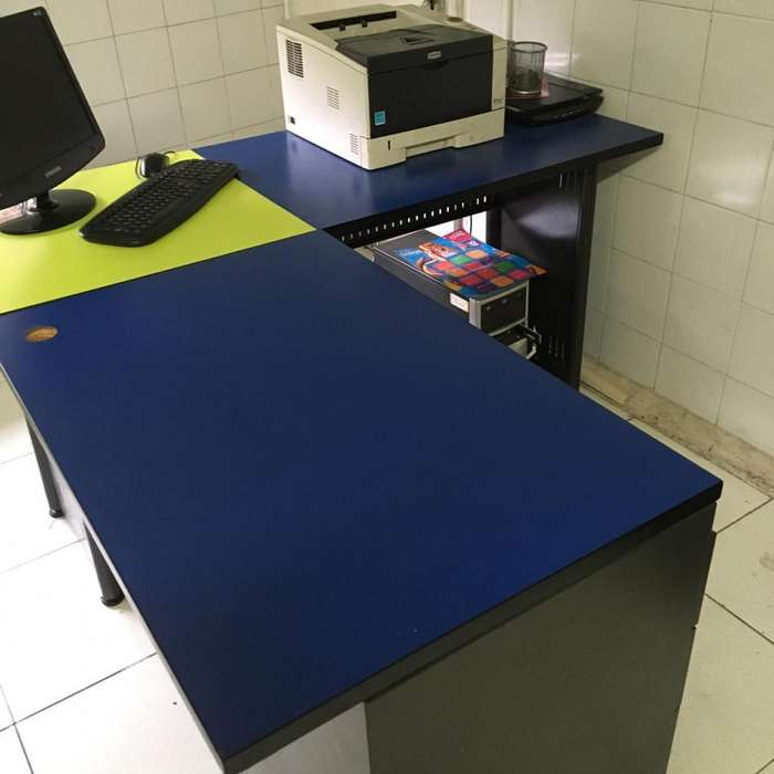 <strong>escritorio</strong>s puestos de trabajo en L con silla
