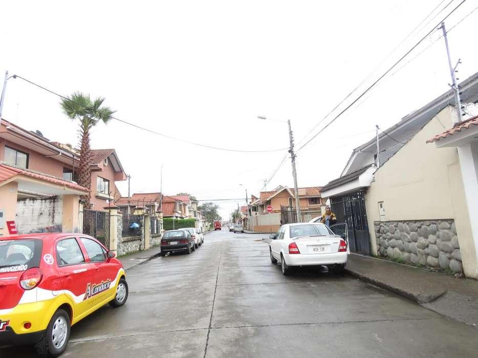 Venta de sitio amplio sector Pichincha zona Residencial, planito, full obras