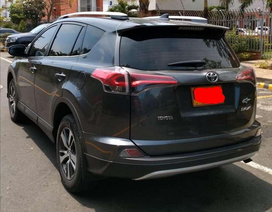 Toyota RAV4 2017 - 30000 km