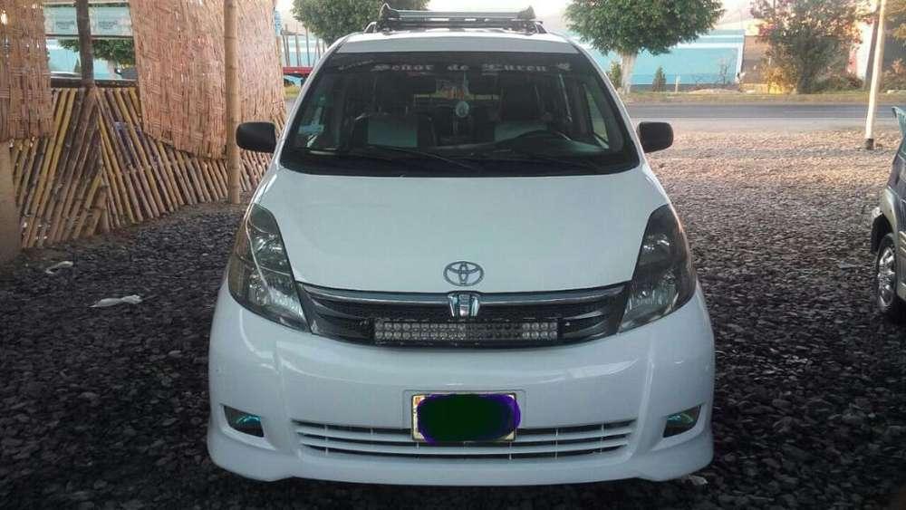 Toyota Otro 2006 - 155000 km