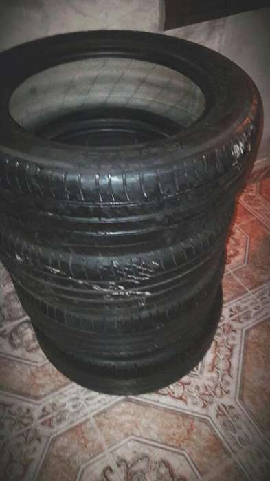 Cubierta <strong>michelin</strong> R16