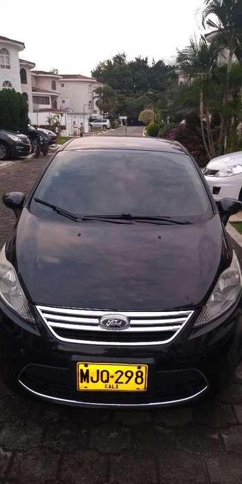 Ford Fiesta  2012 - 95000 km