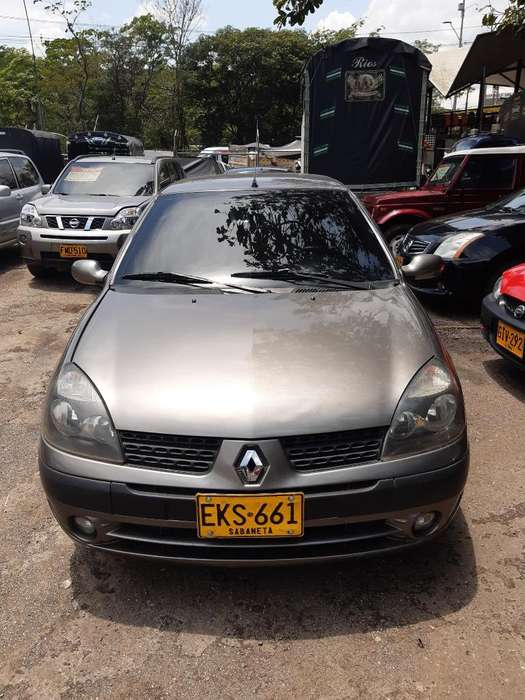 Renault Clio  2006 - 135000 km