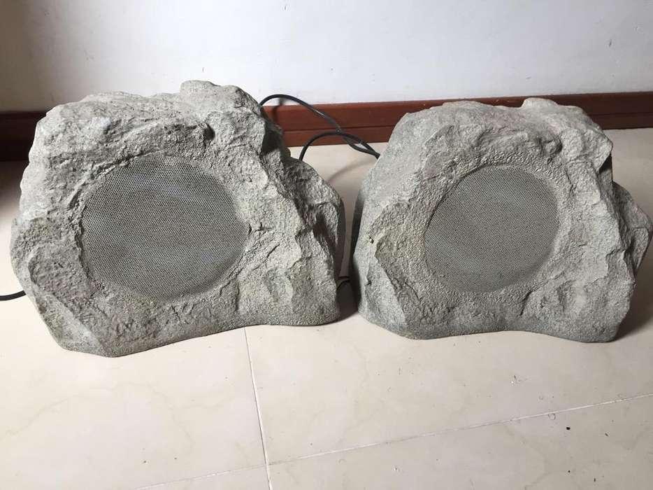 Parlantes en Forma de Roca para exterior