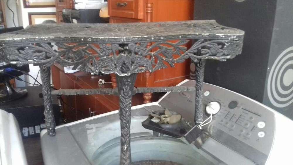 Se Vende Mesa en Aluminio