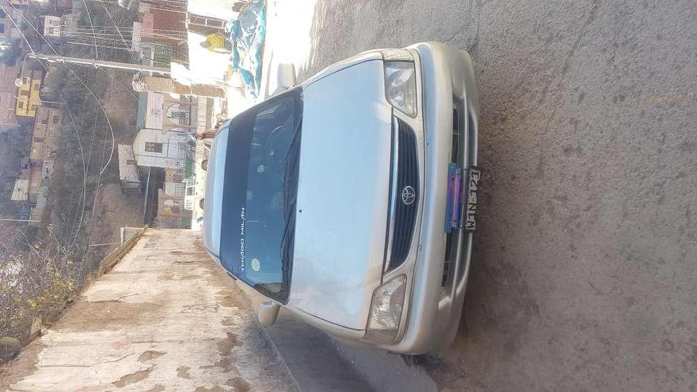 Toyota Otro 2001 - 185000 km