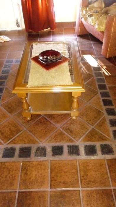 Mesa de Cedro con Vidrio