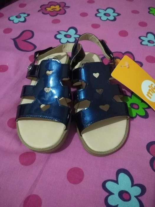 Vendo Zapatos de Niños Excelente Precio