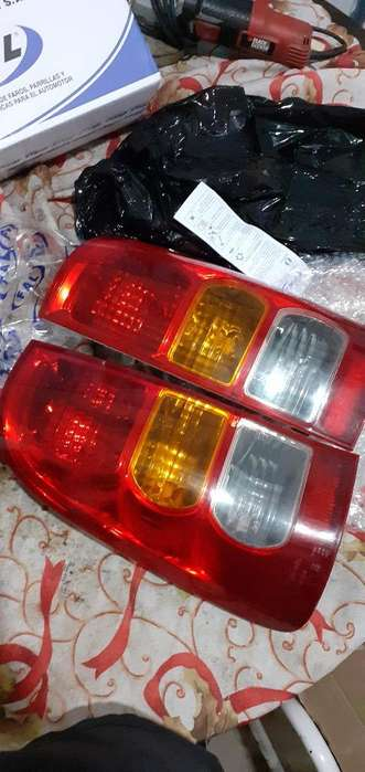 Vendo Faro Trasero Hilux 2005al 2011