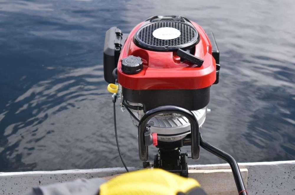 Motor Fuera de Borda 7.5 HP para bote o canoa